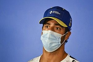 Ricciardo, ırkçılığa karşı diz çökmek istemeyen pilotlar için açıklık getirdi
