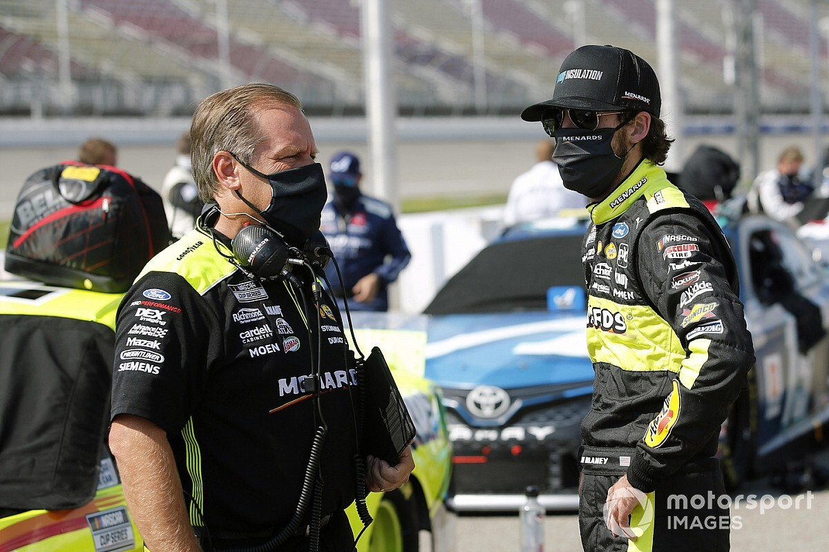 Ryan Blaney penalized, crew chief suspended at Darlington