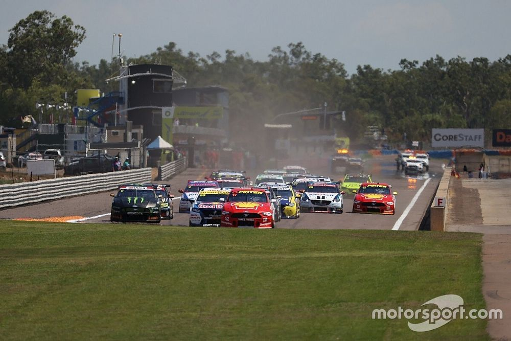 Whincup suspects Darwin start lights were too fast