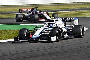 Az F1-es újonc parádés előzése: kezd ráérezni az ízére? (videóval)