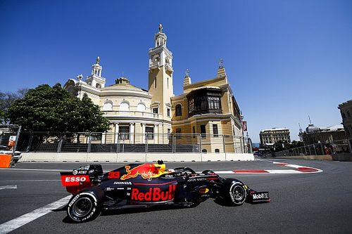 F1アゼルバイジャンGP決勝速報:メルセデス開幕4連続ワンツー! レッドブルのフェルスタッペンは4位