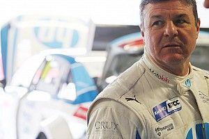 """""""Dangerous"""" Blundell should consider BTCC exit - Chilton"""