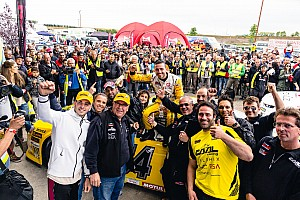 Alon Day stays hot to sweep weekend in Italy