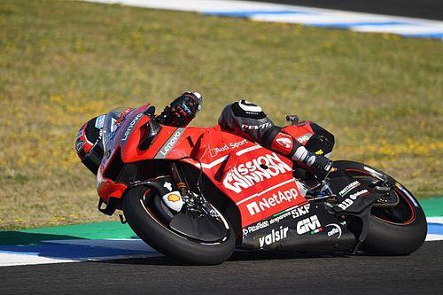 Гонщики Ducati показали лучшее время на второй тренировке в Хересе