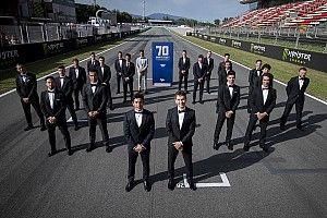 Kala pembalap MotoGP tampil keren dengan setelan jas