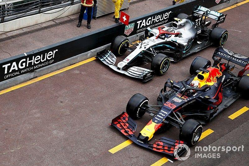 Bottas culpa a Verstappen de lo sucedido en pits