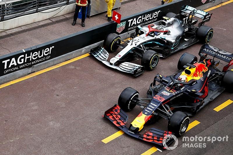 """Bottas: Verstappen """"kept drifting to the right"""" in pitlane incident"""