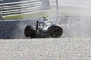 Photos - Les accidents de Verstappen et Bottas au Red Bull Ring
