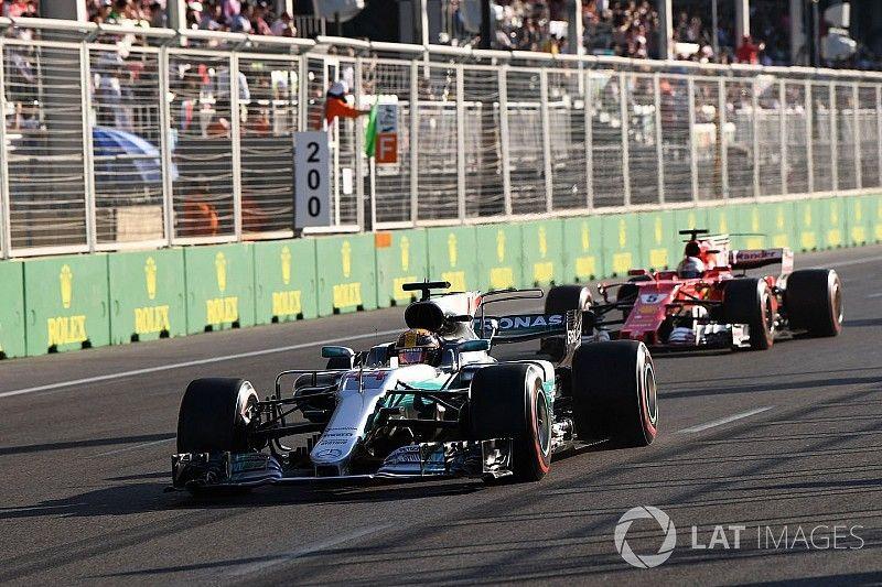 Hamilton: Le geste de Vettel montre que Ferrari a la pression