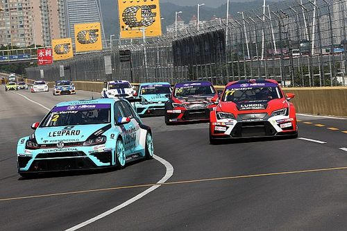 Macau TCR: Vernay beats main title contenders to pole