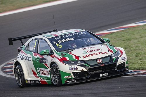 Argentina WTCC: Michelisz wins after Catsburg's repeat puncture
