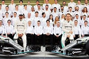 """Hamilton says Mercedes 2016 situation """"uncomfortable"""" at times"""