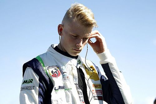 Ma-con na jaren afwezigheid terug in F3, Hanses eerste rijder