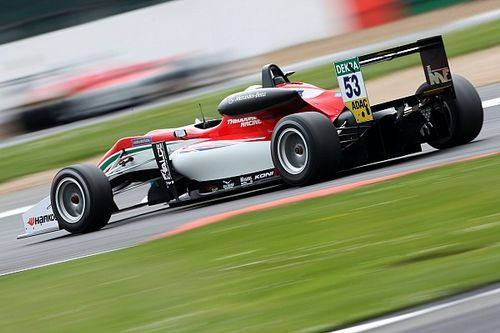 Silverstone F3: Ilott fights back to score double pole
