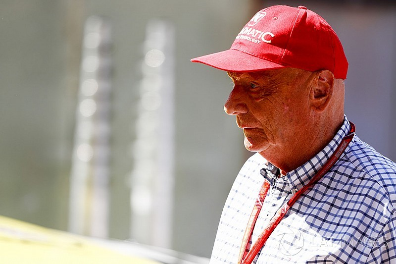 Lauda advierte que necesitan un retiro de Vettel para pelear por el campeonato