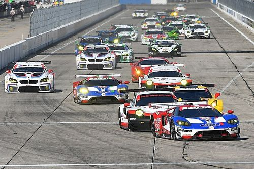 Sebring 12h: Hr 7 – Four-marque six-car scrap rages in GTLM
