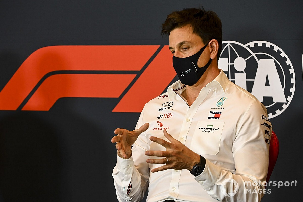 Wolff not in favour of F1 racing in 'oversized car parks'