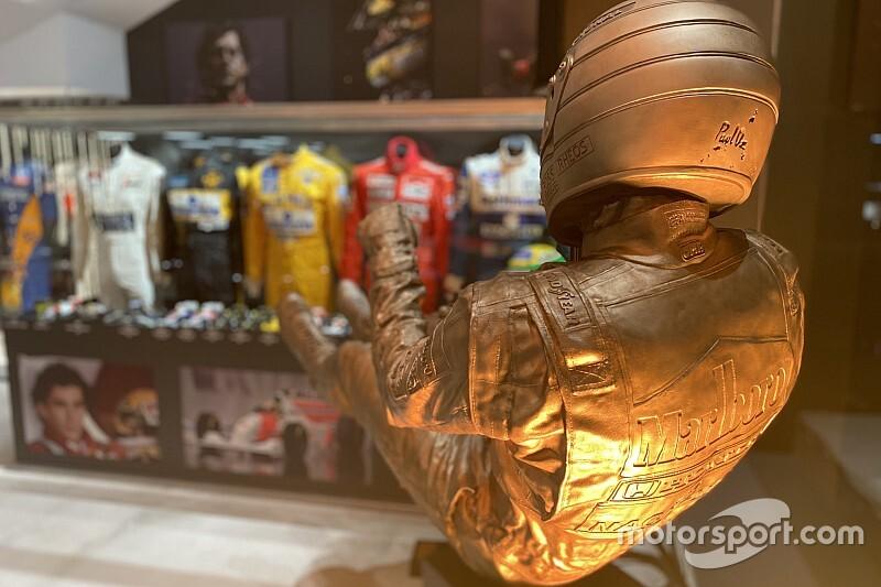 GALERÍA: increíble colección de piezas de F1 y MotoGP en Barcelona