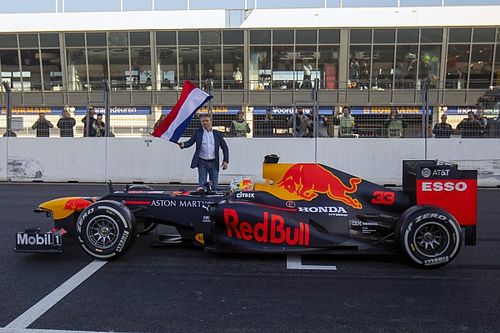 Hollanda, F1 yarışını 2021'e ertelemeyi gözden geçiriyor!