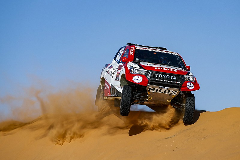 "Alonso has ""exceeded all kinds of goals"" in first Dakar"