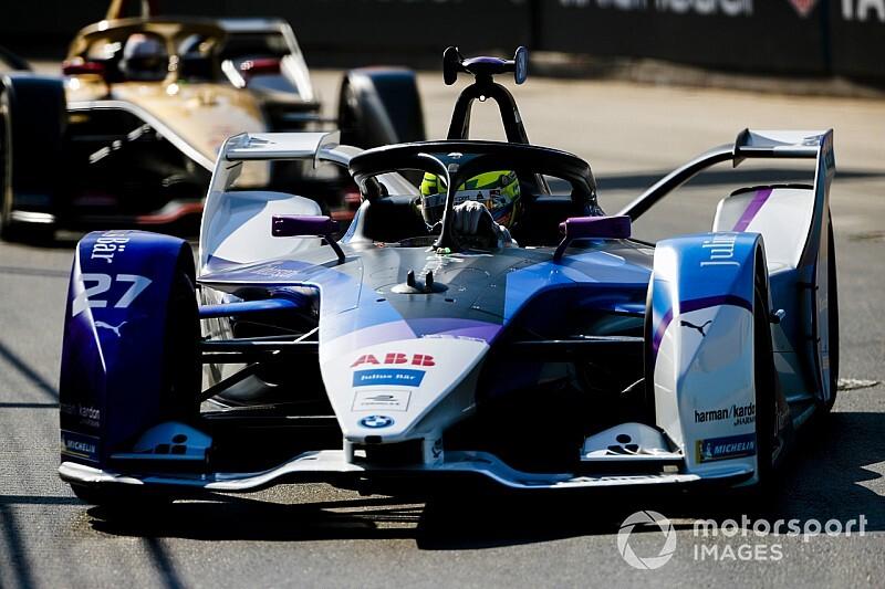 Симс на BMW завоевал третий подряд поул в Формуле Е