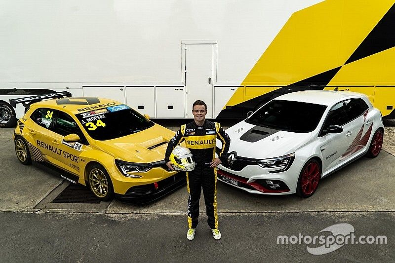 Moffat's Renault TCR challenger unveiled
