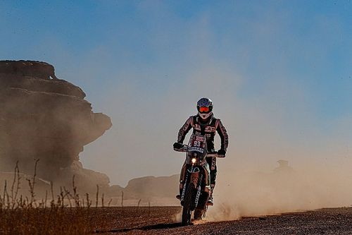 Martens uit Dakar 2020 na 'spectaculaire crash'