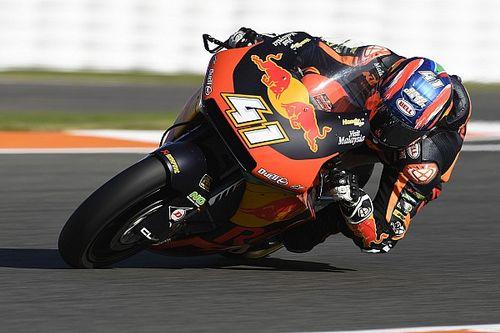 Moto2, Valencia: Binder vince in volata, Manzi quarto