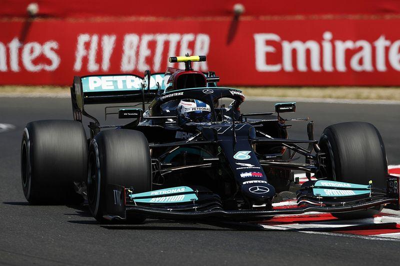 Piątek dla Mercedesa