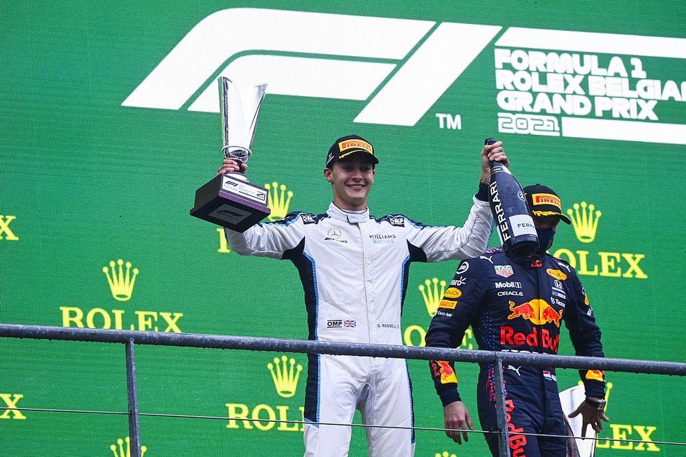 Verstappen elmondta, milyen teljesítményre számítana Russelltől a Mercedesben