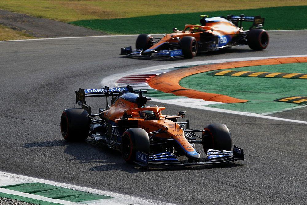 F1: Verstappen e Hamilton batem e Ricciardo brilha em dobradinha da McLaren