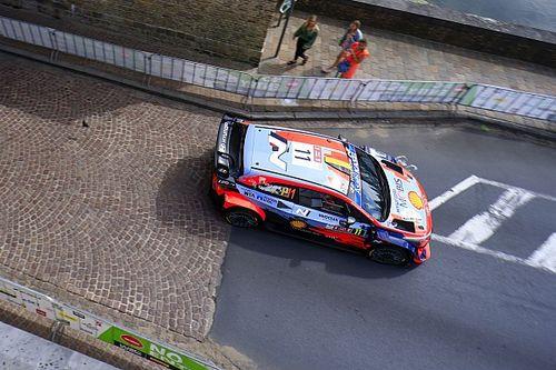 WRC: Neuville resiste el ataque de Breen en el caos de Bélgica