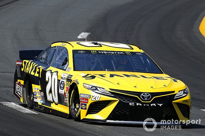 Erik Jones tops second Cup practice; Byron and Larson wreck