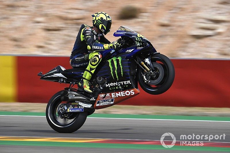 """Rossi: Yamaha no longer """"embarrassing"""" on acceleration"""