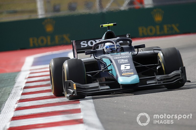 F2 Sochi: Latifi snelste in training, De Vries derde