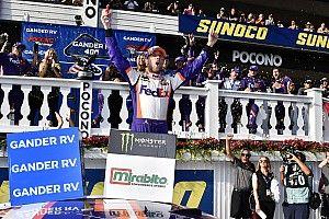 Denny Hamlin se lleva un emocionante triunfo de Pocono