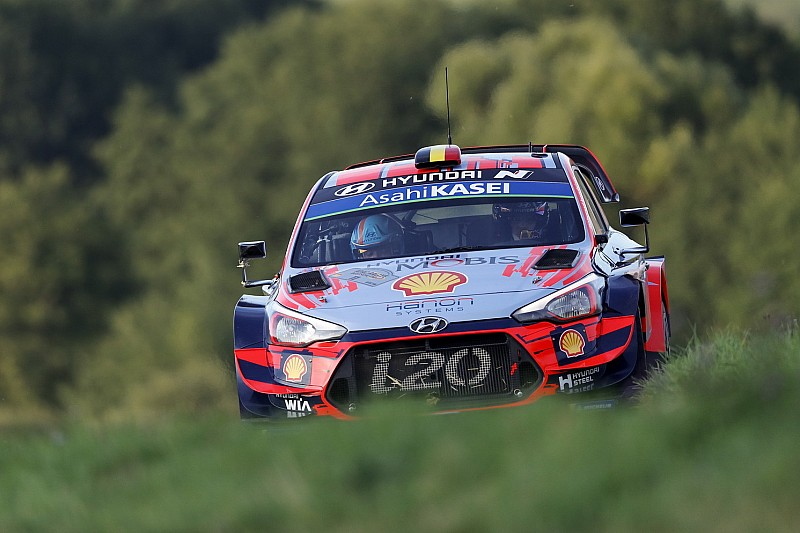 WRC, Rally Germania, PS13: Neuville fora e scivola 7°!
