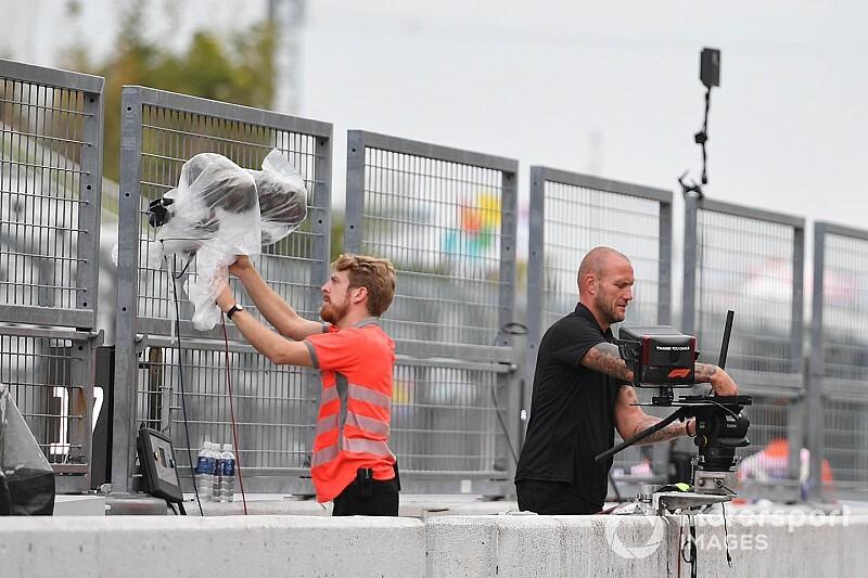 Így készül az F1 a tájfunra (képek, videók)