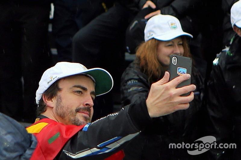 Alonso, McLaren'la Barcelona testine katılabilir