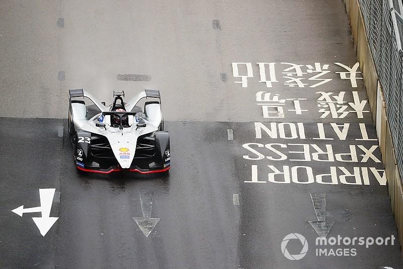 Fotostrecke: Die Schweizer Buemi und Mortara beim HongKong E-Prix in der Formel E
