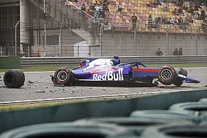Bottas snelste in laatste training China, zware crash voor Albon