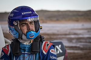 VIDEO: Alonso menjajal mobil Toyota Dakar