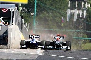 """Photos - La manœuvre """"horrible"""" de Schumacher sur Barrichello"""