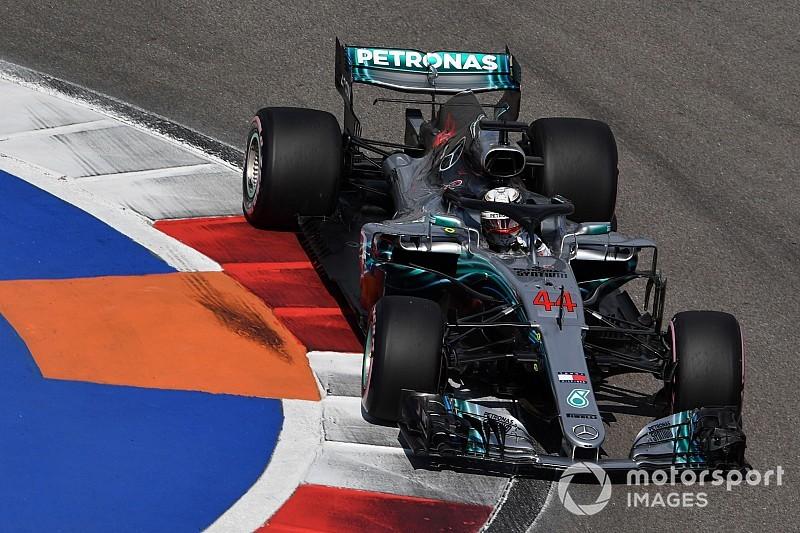 Hamilton le saca seis décimas a Vettel antes de la clasificación en Rusia