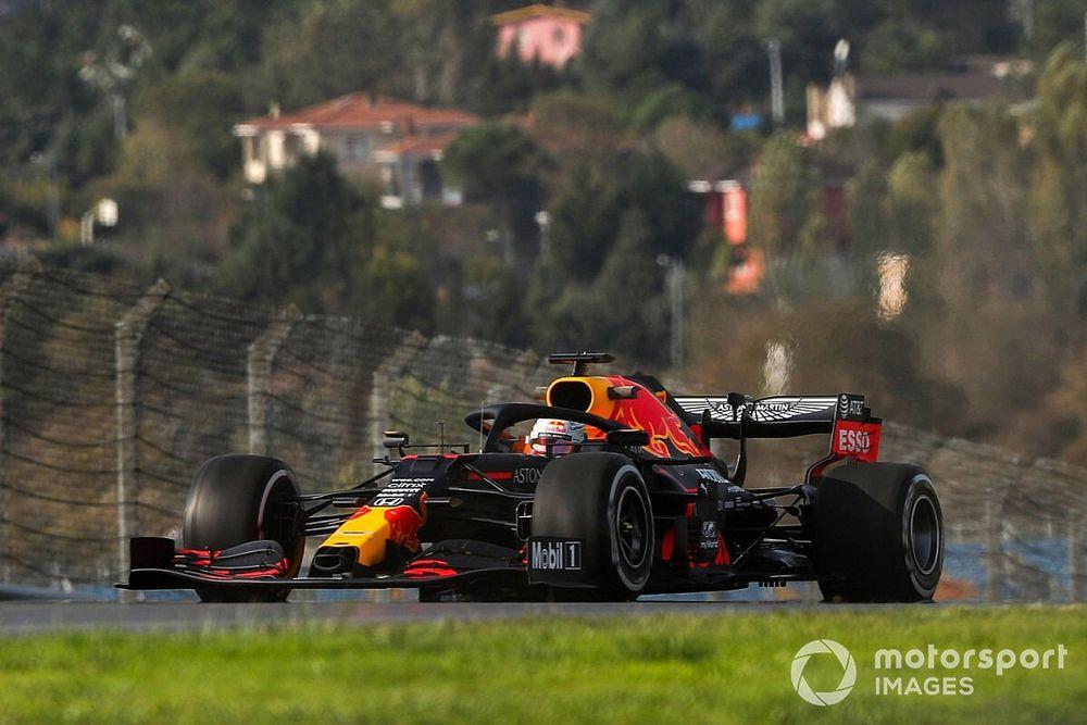 F1: Verstappen lidera estranho TL1 para o GP da Turquia no 'sabão' de Istambul; Hamilton é 15º