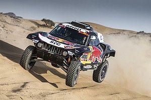 """Sainz admite que """"no es la mejor manera de empezar"""" el Dakar"""