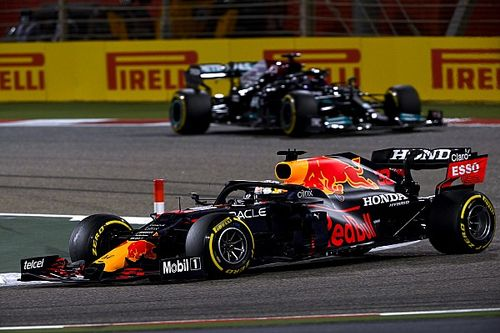 "Verstappen ""preferred"" time penalty to letting Hamilton past"