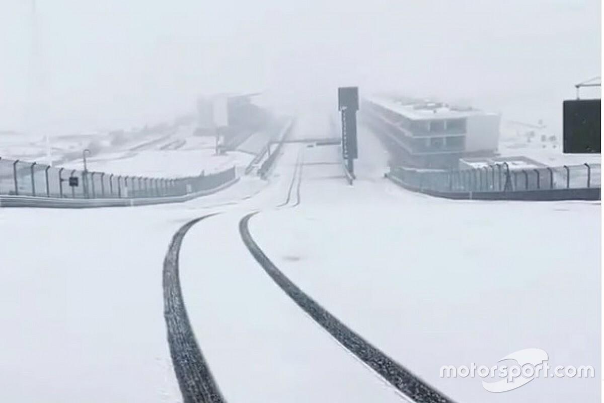 Vídeo: el increíble aspecto del circuito de Austin nevado