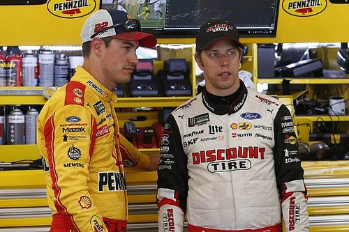 "Keselowski slams teammate Logano's ""dumb move"" in Clash"