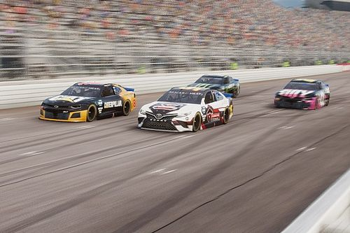 Harbin/Gravitt vencem em New Hampshire na eNASCAR Heat Pro League